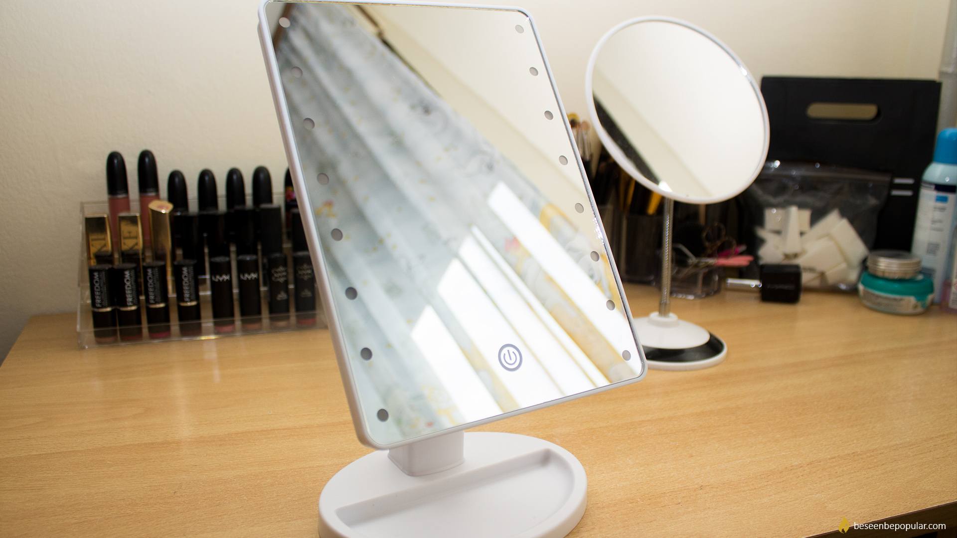 Must have makeup mirror for all beauty lovers