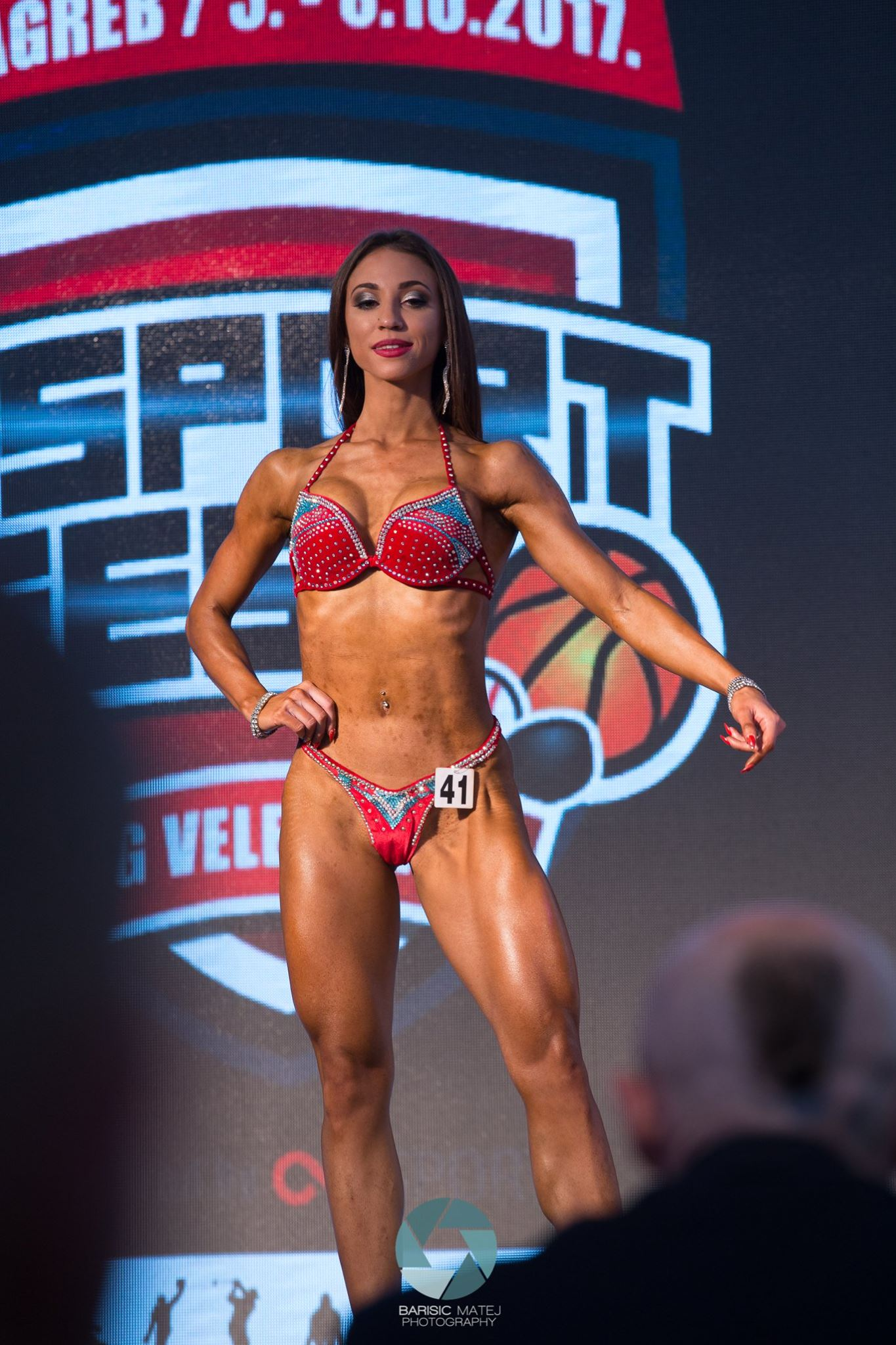 Bikini fitness competition makeup - how to do it?