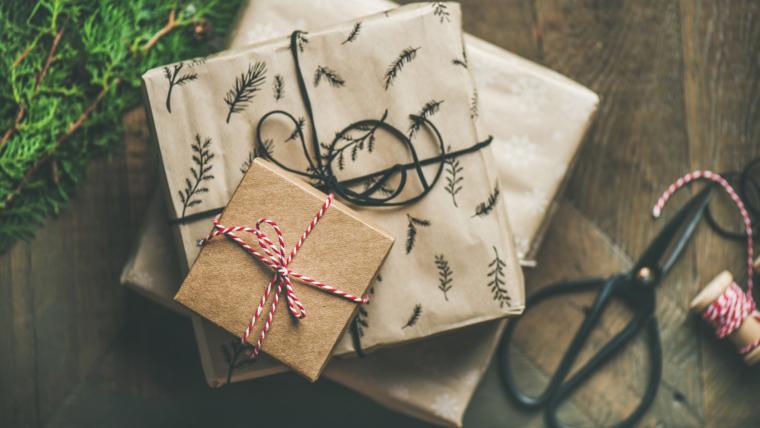 zabavne ideje za umotati poklon