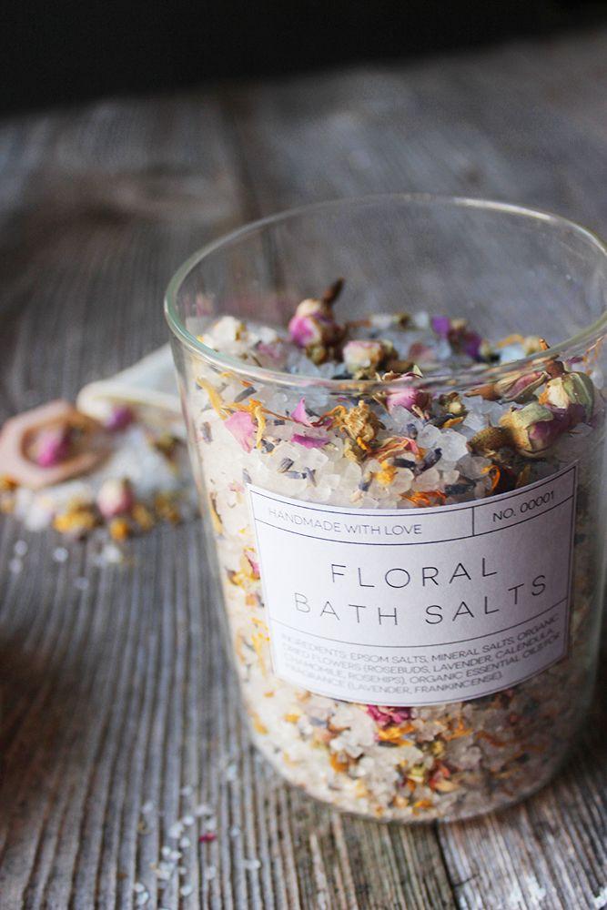 Sol za kupku sa suhim cvijećem