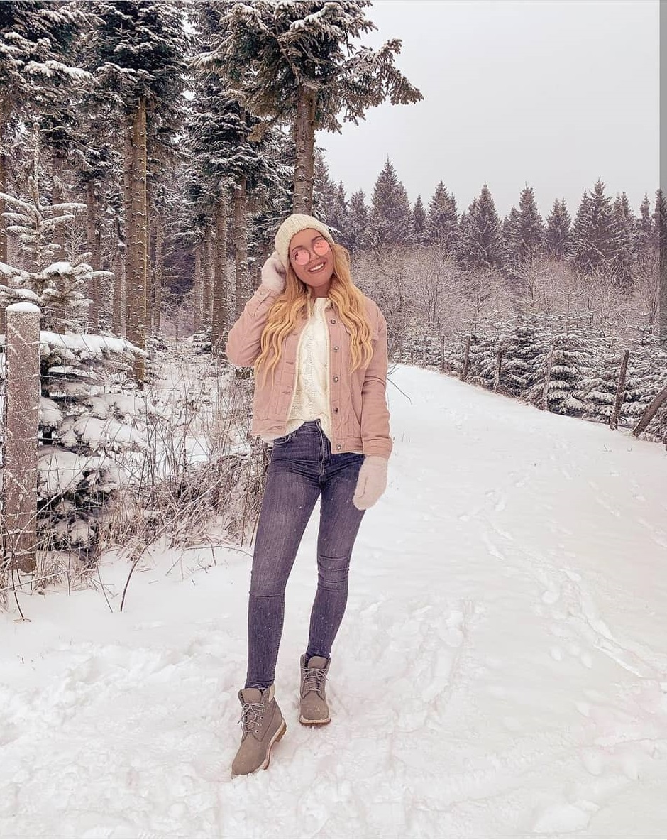 What are influencers wearing during winter?