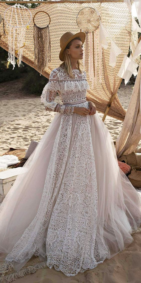 Best Outdoor Wedding Dresses