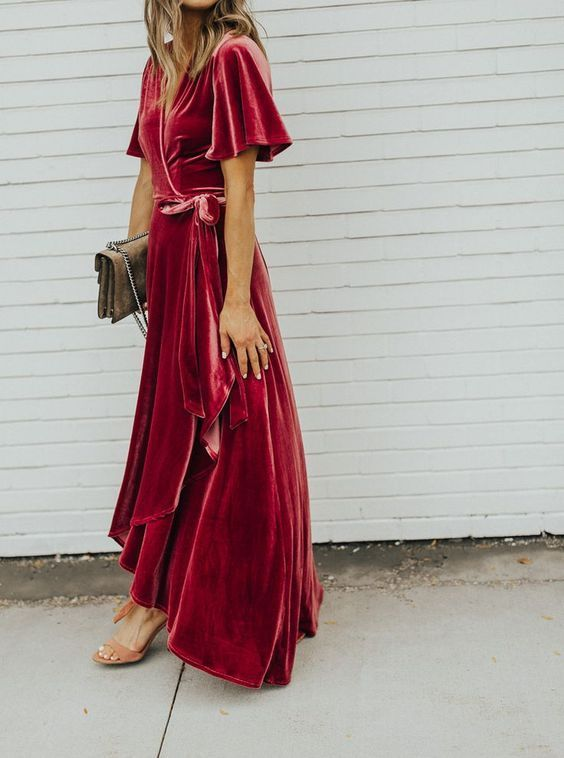 These are irresistible outfits for wedding guests